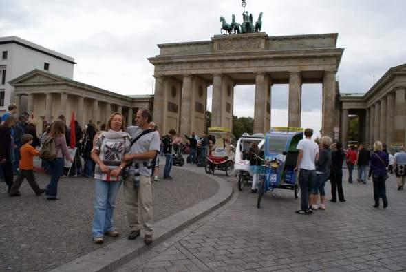 a Brandenburgi Kapu szokásos forgataga
