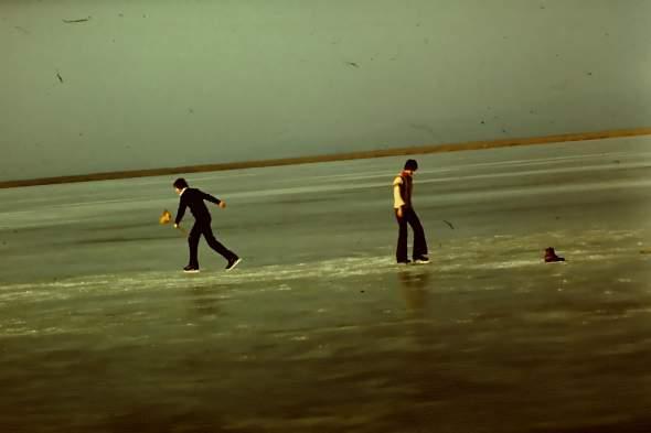1977 Téli korcsolyázás a tavon